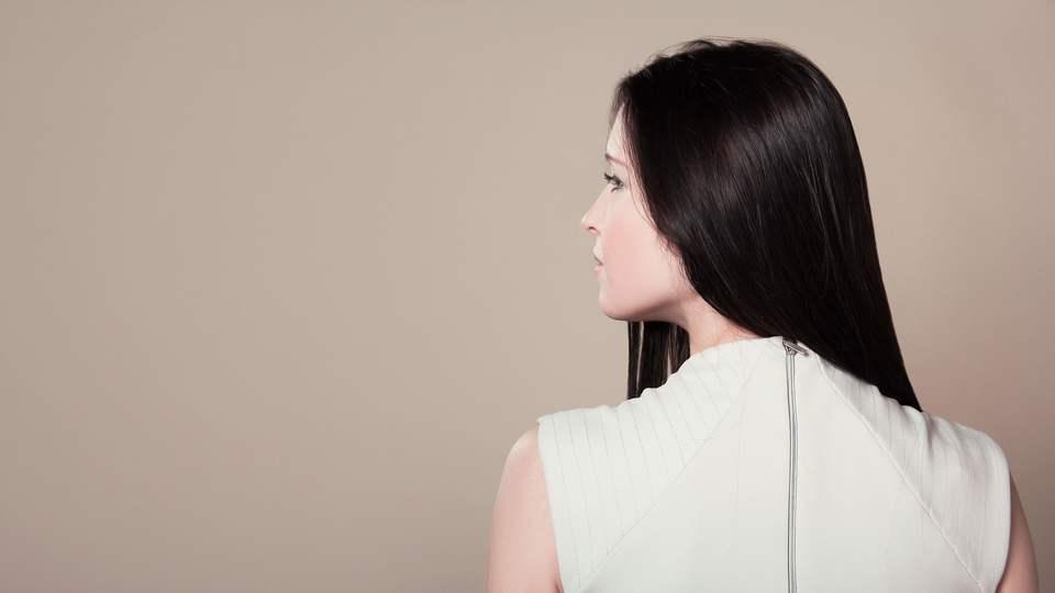 Large brunette female girl 206296  1