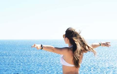 Medium beach bikini daytime 830955 1