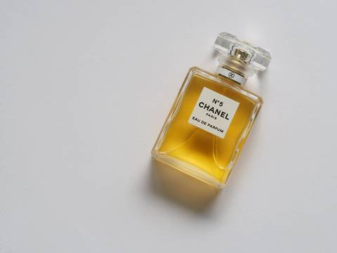 Medium bottle brand cologne 755992  1