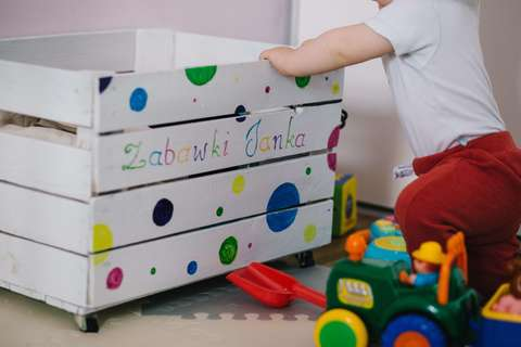 Medium baby child container 437746