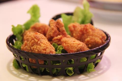 Medium fried chicken chicken fried crunchy 60616