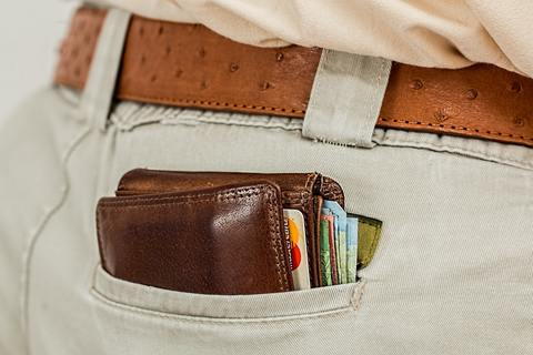 Medium wallet cash credit card pocket
