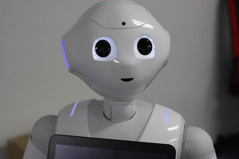 Medium robot 1695653 1920  1