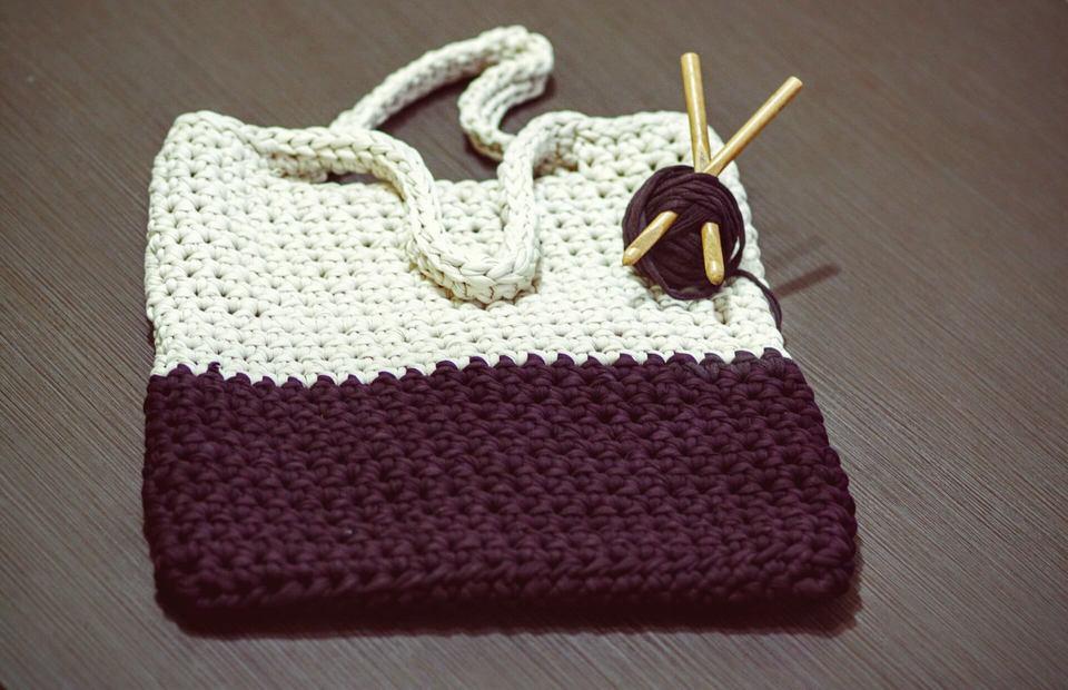 バッグを編む