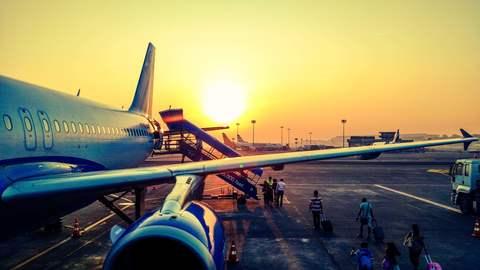 Medium aeroplane air air travel 723240  3   1