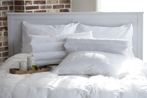 Medium pillow 1890940 1280