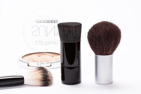 Medium cosmetics 259181 640