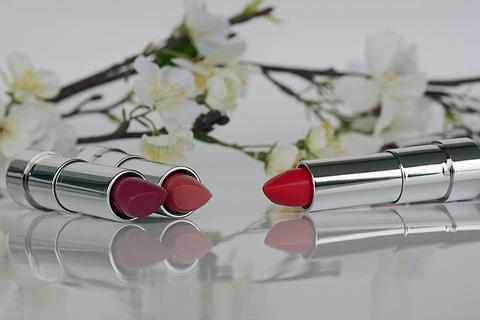 Medium lipstick 1367775 640