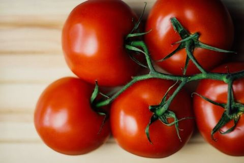 Medium food wood tomatoes 1